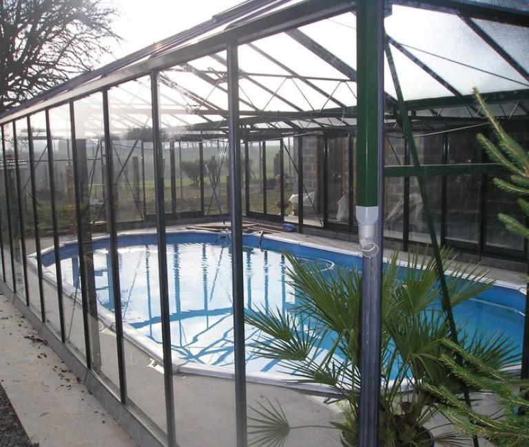 Glazen zwembad overkapping
